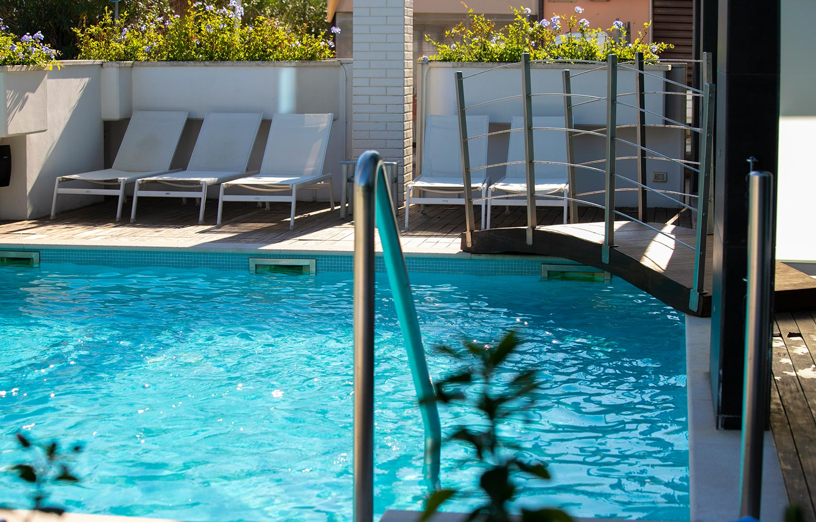 residence piscina marche