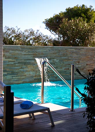 residence in the marche region with pool with hydromassage
